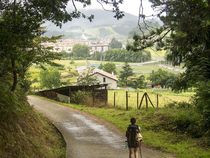 Comment limiter les risques de crampe pendant une randonnée?